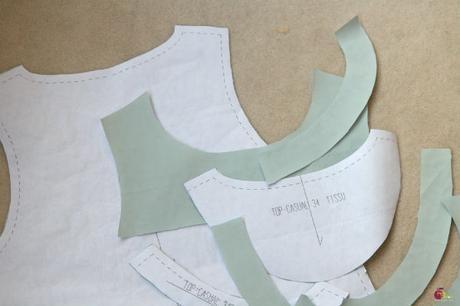 5 astuces pour couper et coudre un tissu glissant
