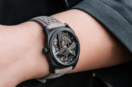 DAY41 : la montre femme innovante