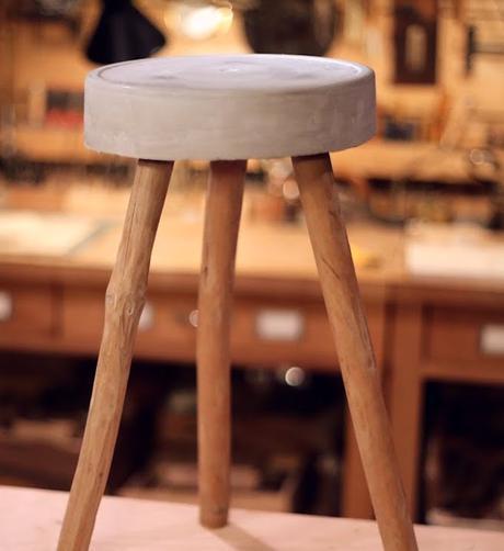 tabouret en béton diy atelier bricolage pied bois style rustique - blog déco - clem around the corner