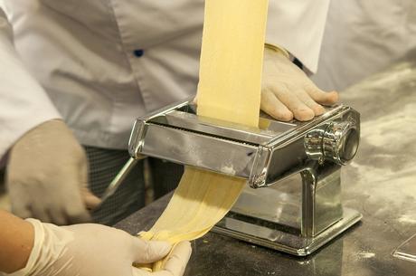Retrouver dès à présent l'Italie dans vos assiettes en vous procurant d'une machine à pâte électrique!