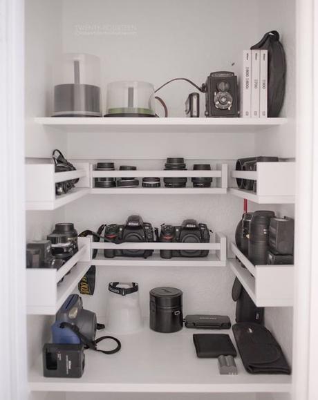 étagère Ikea bois rangement placard appareil photo noir meuble blanc - blog déco - clem around the corner