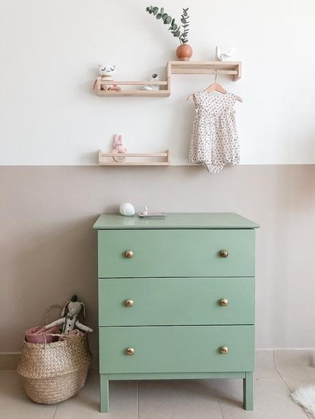 Ikea bekvam hack bois chambre enfant pastel doux meuble verte panier osier - blog déco - clem around the corner