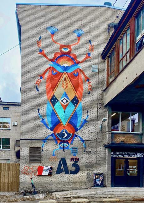 street art scarabée telliskivi ancienne usine soviétique mur brique blog clemaroundthecorner