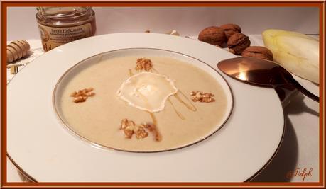 Velouté d'endives aux noix et fromage de chèvre