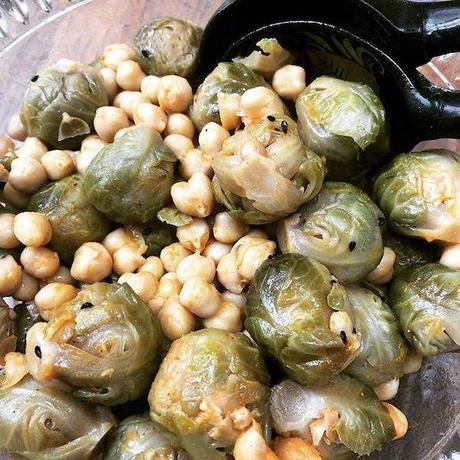 salade tiède de pois chiches et choux de Bruxelles