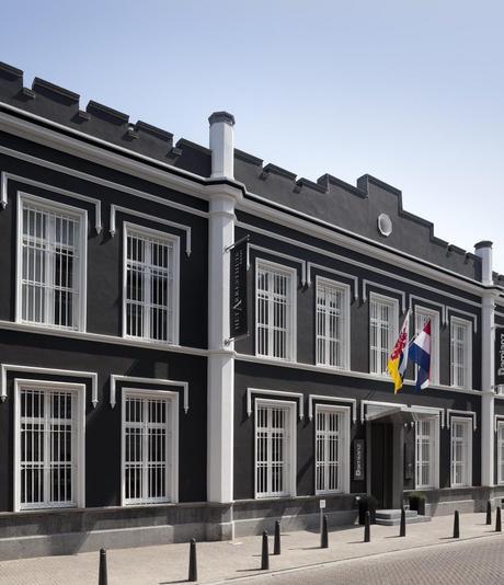 hôtel prison original pays bas chambre luxueuse moderne clemaroundhtecorner