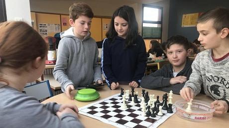 Échecs et maths pour les élèves de l'école de Machault (Ardennes)