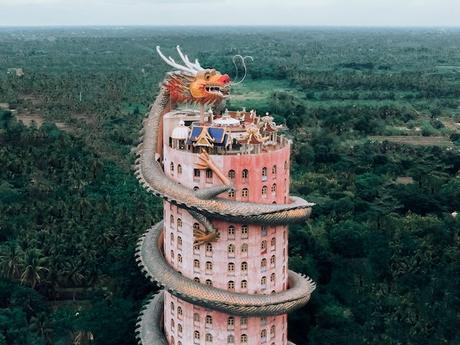 Thaïlande: l'incroyable Temple du Dragon «Wat Samphran»