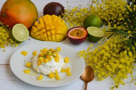 Pavlova mangue, ananas, passion et citron vert