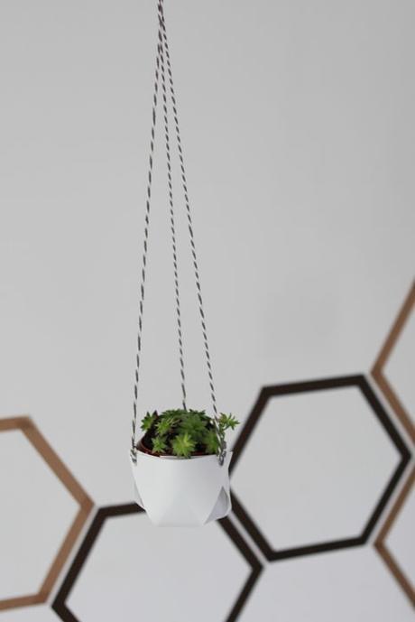 cache pot suspension blanche origami plante grasse intérieur salon - blog déco - clem around the corner