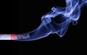 Mon ado fume, que faire en priorité ?