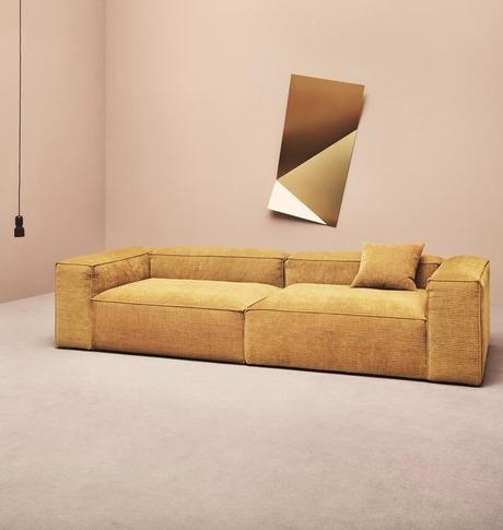 canapé sans pieds jaune velours côtelé salon spacieux rose - blog déco - clemaroundthecorner
