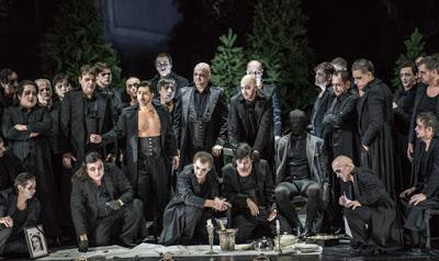 Le Bayerische Staatsoper met en scène les Masnadieri de Verdi. Une première.