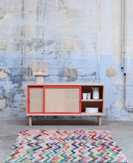 meuble rouge bois rotin tressé tapis bohémien blog déco
