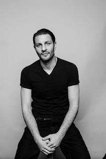 De la série Netflix « Plan cœur » à son album « Réminiscences », Marc Ruchmann joue avec brio sur tous les tableaux !