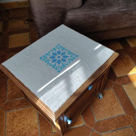 recyclage d une table de chevet