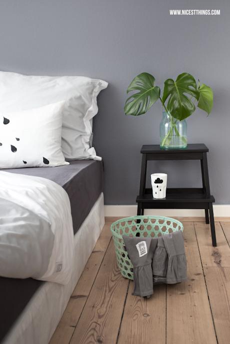 marche pied ikea chambre table de chevet-noire style casual décontracté - blog déco - clem around the corner