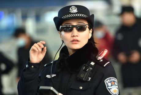 En Chine, des lunettes connectées pour détecter les infectés