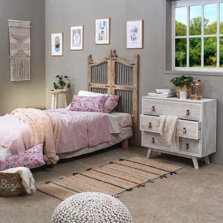 chambre enfant fille champêtre campagne portail bois fer métallique noir chambre ami enfant clemaroundthecorner