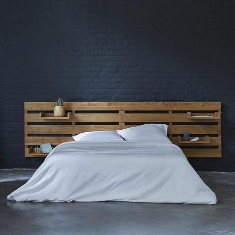 lit bois teck étagère rangement mur brique noir
