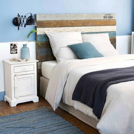 chambre bois latte bleu blanc marron effet délavé décoration marine bord de mer