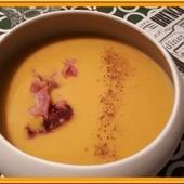 Velouté de Butternut au Curry et Chips de Poitrine fumée - Oh, la gourmande..