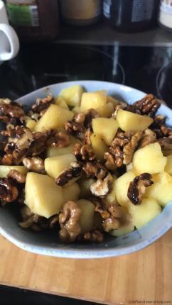 Pommes aux noix caramélisées