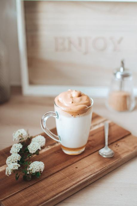 Dalgona Coffee - la recette virale sud-coréenne à faire à la maison !