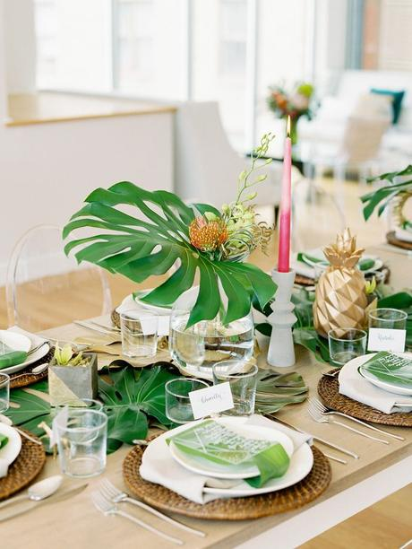 table style jungle rustique set table osier-rond bougie rose ananas - blog déco - clem around the corner