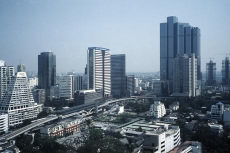 Bangkok Down Town / 2002 / © Roland Meige