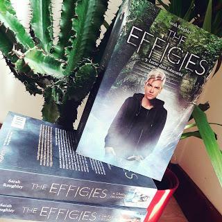 The effigies, tome 3 : Lueur dans l'obscurité de Sarah Raughley