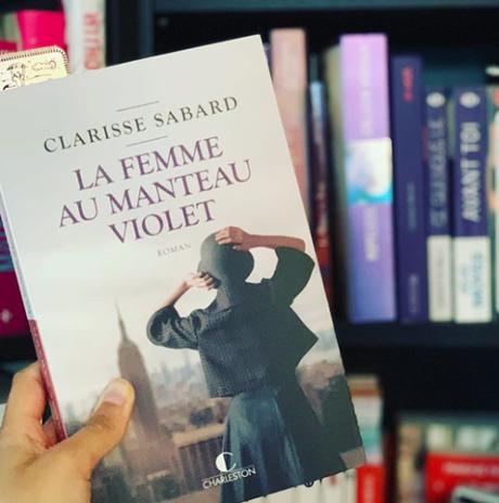 La femme au manteau violet • Clarisse Sabard