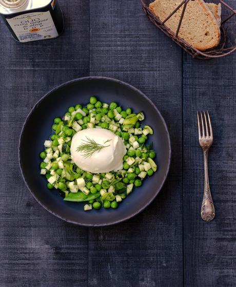 mozzrella , salade complète , petits pois , légumes croquants , recette de saison