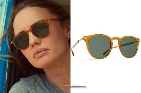 WHITE LINES : Zoe's sunglasses in S1E01