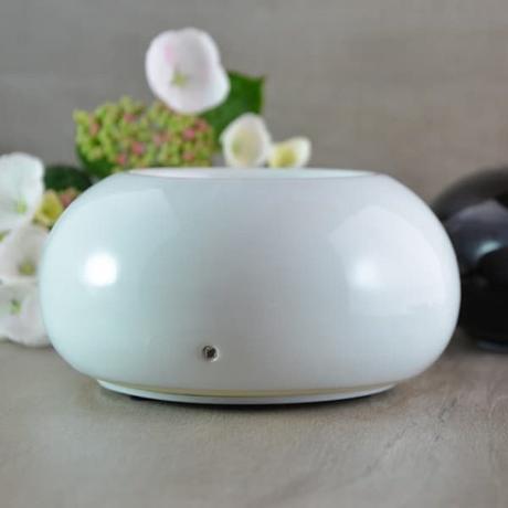 diffuseur par chaleur douce cozy blanc aromathérapie - blog déco - clemaroundthecorner