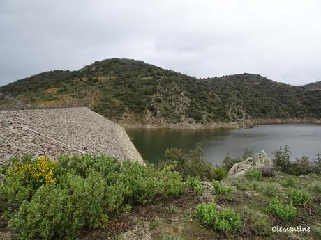 Le Barrage de Caramany sur l'Agly dans la commune de Cassagnes