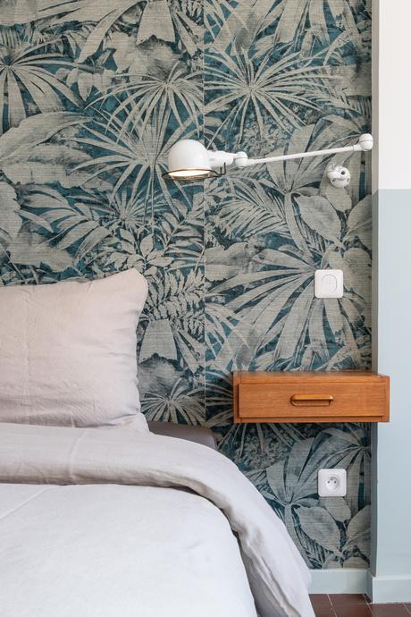 chambre tête de lit diy papier-peint vintage jungle applique jieldé