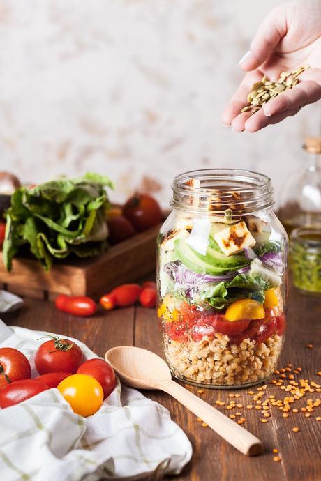 zéro déchet bocaux verre hermétique salade estivale cuillère bois pique nique - blog déco - clem around the corner