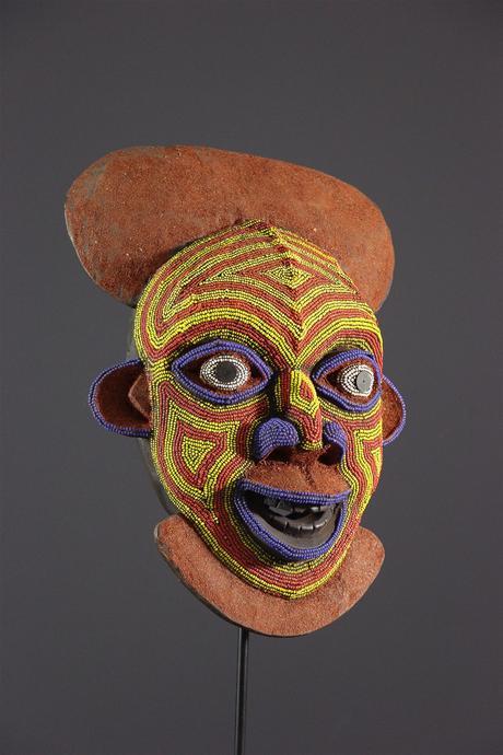 Des sculptures perlées de Beya Gille Gacha