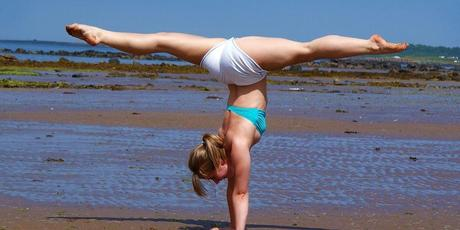 split handstand grand écart