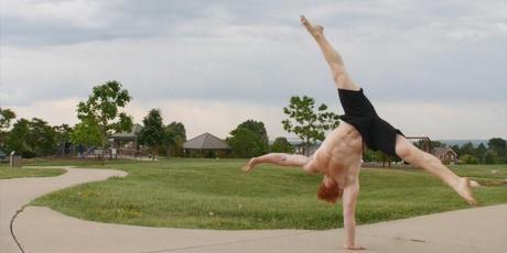 one arm handstand un bras