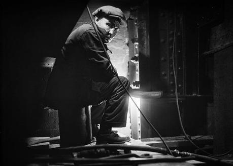 Eugene de Salignac, A worker on the Brooklyn Bridge, 19 Novembre 1928.