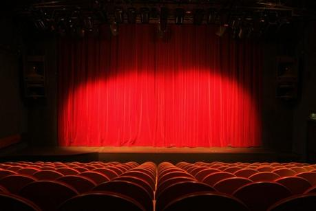 Aujourd'hui, ne me demandez pas de souhaiter la réouverture des théâtres, je ne veux rejouer qu'après la Libération