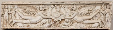 Sarcophagus_imago_clipeata_Terme