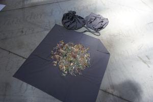 Caresse symphonique et cosmos d'objets bouleversés (Redites)