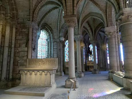 Basilique cathédrale abbaye saint Denis roi reine monarchie CMN monument historique