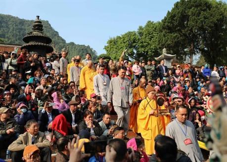 Pagode des parfums haut lieu du pèlerinage bouddhiste