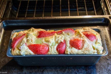Croustifondant – Crumble-cake rhubarbe fraise