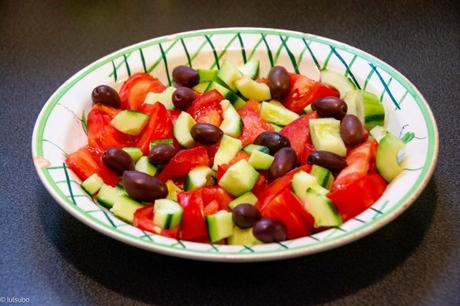 Tofu hellène – Salade grecque végétale