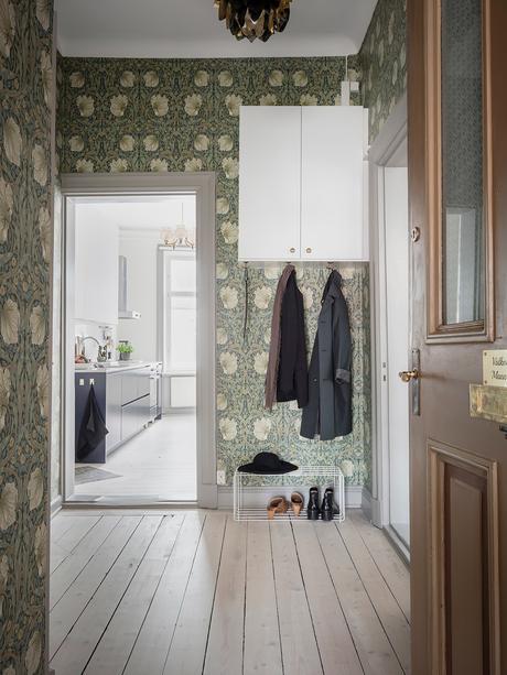 blog clematc papier peint floral tons verts hall d'entrée